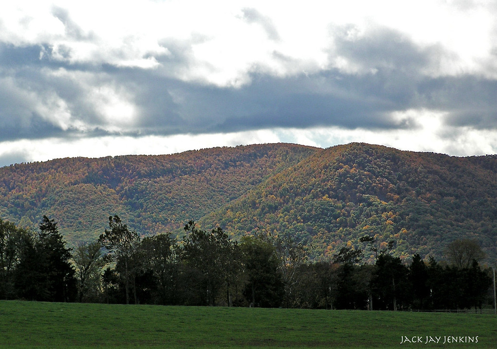 A cloudy day over the Blue Ridge mountains.